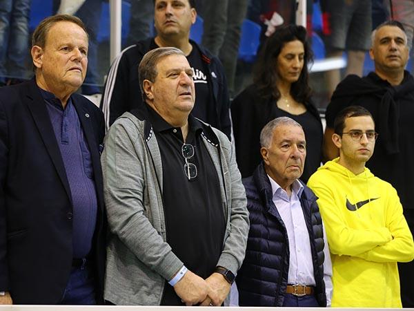 """הנהלת מכבי ת""""א. תמימות דעים לגבי המאמן (לירון מולדובן)"""