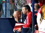 המאמן דפק את ראשו בספסל ואיבד את הזיכרון