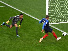 עשתה את שלה: צרפת בשמינית אחרי 0:1 על פרו