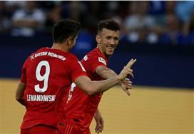שלושער ללבנדובסקי: באיירן מינכן הביסה 0:3 את שאלקה
