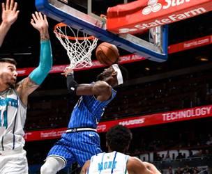 דאנק מרשים של רוס בראש מצעד הלילה ב-NBA