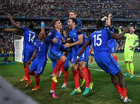 צרפת המארחת תפגוש בגמר הגדול את פורטוגל ורונאלדו (תמונות: GETTY)