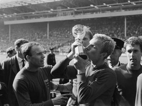 היו ימים. מור והגביע ב-1966 (getty)
