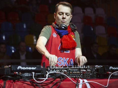 הצהובים התחברו לאווירת החג במוסקבה (Getty)