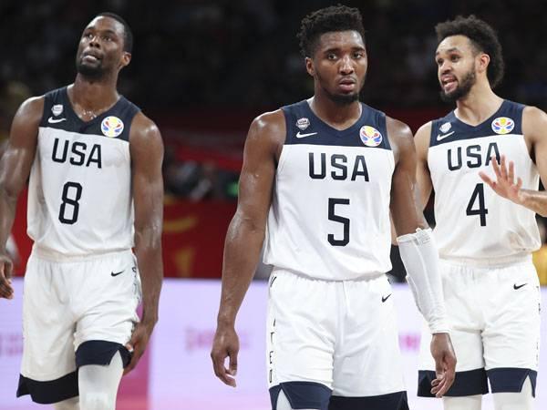 מיטשל. עצבני בסיום (FIBA)