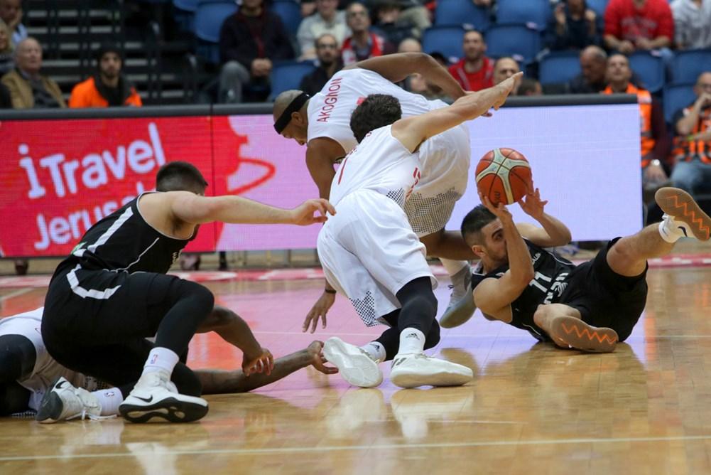 הספרדים התעוררו ברבע השלישי, אבל זה לא הספיק (FIBA)