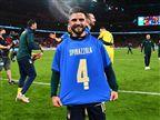 """""""מוקדש לו"""": באיטליה לא שכחו את ספינצולה"""