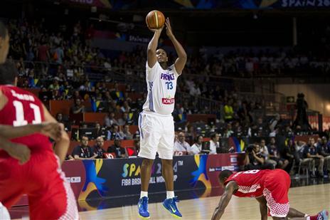 דיאו ממשיך לרבע (FIBA)