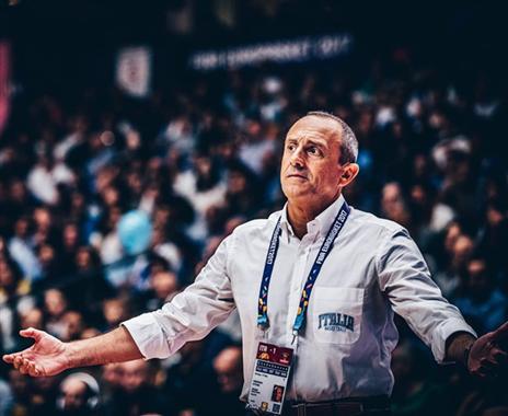 נפרד ברבע הגמר. מסינה (FIBA)