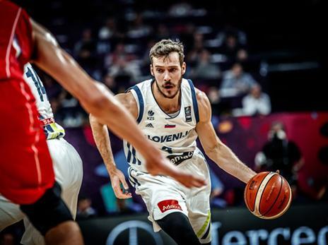 הסלובנים חזרו לעניינים בול בזמן (FIBA)