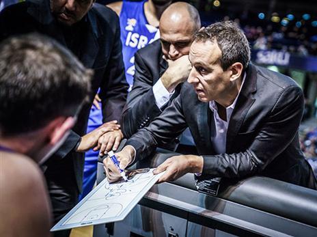 יביא פתרון קסם לי-ם? קטש (FIBA)