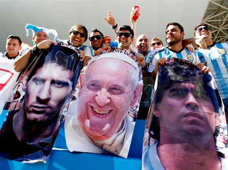 מראדונה הביא לארגנטינה גביע עולם. גם מסי יצליח? (Getty)