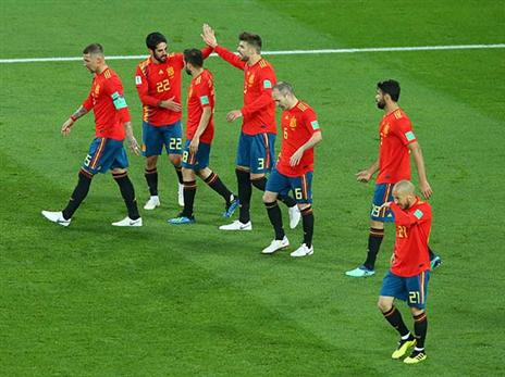 ספרד חוזרת לשמינית (GETTY)