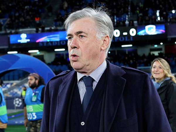 המאמן האיטלקי שוב על פרשת דרכים (getty)