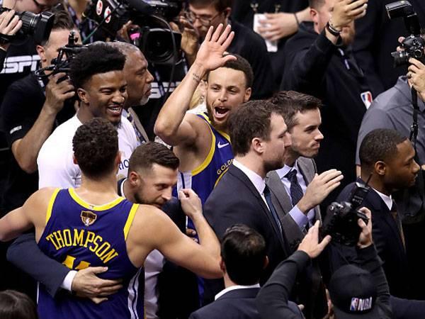 ניצחון עצום. קרי וקליי חוגגים (צילום: Claus Andersen/Getty Images)