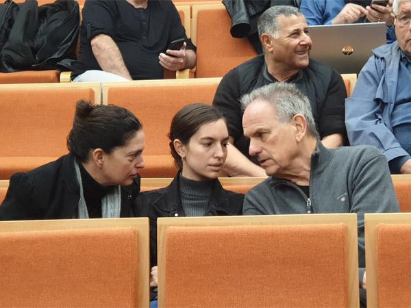 משפחת נשר בבית המשפט