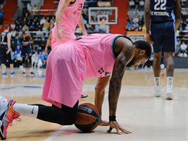 הולכים למשחק מכריע: זניט הביסה את ברצלונה