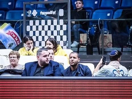 כשאלטמן צפה באבדיה במשחק נגד גלבוע/גליל. (צילום: שיבר)