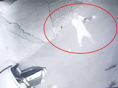 בלעדי: צפו בירי לעבר ביתו של אבו יונס