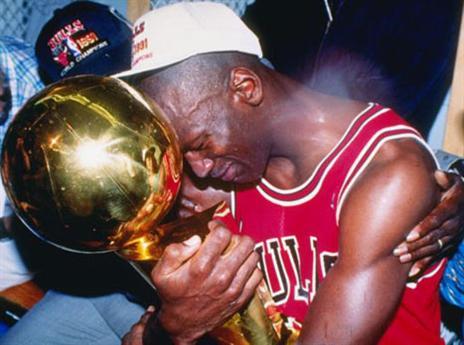 17.2 - היום לפני 54 שנים נולד גדול שחקני הכדורסל בכל הזמנים, מייקל ג'ורדן (getty)