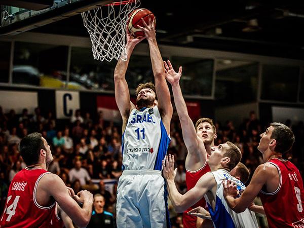 מושקוביץ'. ישראל נלחמה (FIBA)