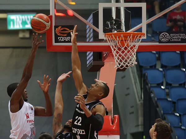 אוונס. הפערים בין הקבוצות היו ברורים (FIBA)