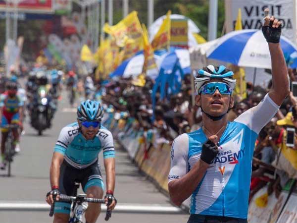 אווילה. ניצחון ראשון השנה. (טור רואנדה)