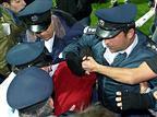המנהלת דורשת: החזרת השוטרים ליציעים