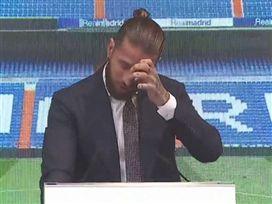"""""""אחד הרגעים הקשים בחיי"""": ראמוס נפרד בדמעות"""