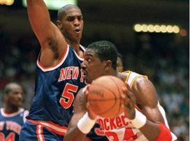 היום לפני 23 שנה: האקים מלך ה-NBA