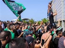 הדופק עולה: אוהדי מכבי חיפה דירבנו באימון