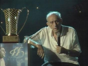 קליין עם הגביע מ-1977. אגדה