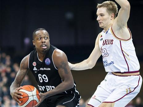 בראון. עלה מהספסל ותרם (FIBA)