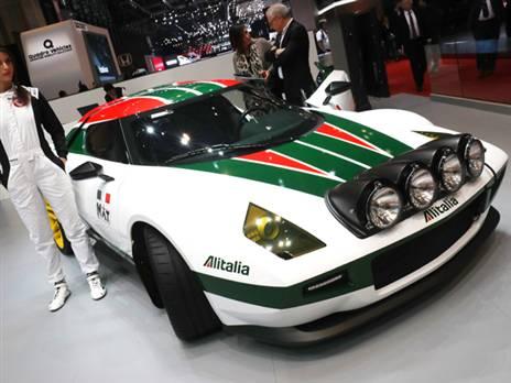 """הגלגול המודרני של לנצ'יה סטרטוס נולד מחדש בזכות מיליארדר גרמני בעל חיבה למכוניות הראלי הקלאסיות. היא פותחה על ידי סדנת פינינפרינה על רצפת פרארי F430 והיא נמכרת תחת חסות חברת Manifattura Automobili Torino. רק 25 תיוצרנה עם מנוע פרארי בהספק של מעל 600 כ""""ס. המחיר לדגם כ-650 אלף יורו"""