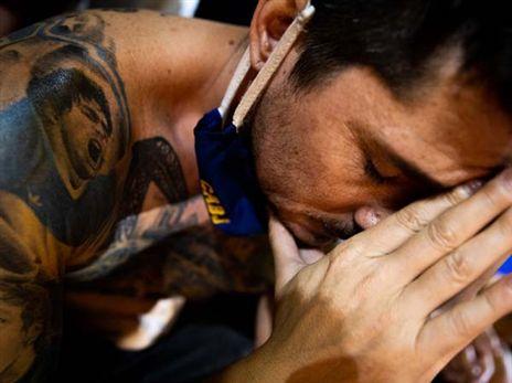 אלפים בוכים ברחובות: שידור חי מארגנטינה
