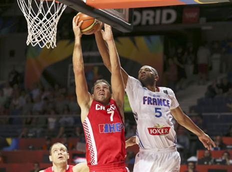 האגרסיביות של צרפת הכריעה (FIBA)