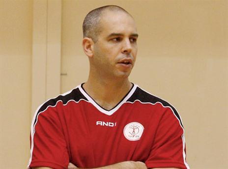 אבל כבד בכדורסל הישראלי. אורי שלף (אלן שיבר)