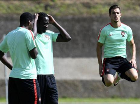 סדריק עם קפיצה מרשימה באימון פורטוגל (AFP)