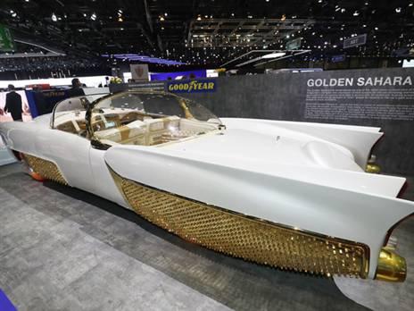 אחת ההופעות המיוחדות בתערוכת ז'נבה. בשנות ה-50 הופיעה מכונית בשם 'סהרה המוזהבת' שהיתה מבוססת על לינקולן קפרי פרטית של ג'ורג' באריס, מעצב מכוניות רכב שפיתח כלי רכב רבים לסדרות טלוויזיה (איש-העטלף) בשנות ה-60 והלאה. הדגם השני, סהרה 2 מ-1958 הוצגה בכמה תערוכות אמריקניות כדי לשקף את הקידמה הטכנולוגית שביצעה חברת הצמיגים 'גודייר' בתרכובות המסייעות באחיזת המכונית בכביש רטוב. איפשהו בשנות ה-60 היא נעלמה עד שנמצאה שוב אשתקד ושוחזרה על ידי אספן נלהב שהחליט להטיס אותה השנה לתערוכת ז'נבה. לדברי המארגנים הי