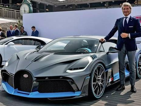 """ווינקלמן ו""""המכונית השחורה"""" של בוגאטי (צילום: יצרן)"""