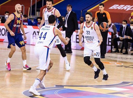 אנדולו חזרה מברצלונה עם הניצחון (GETTY)