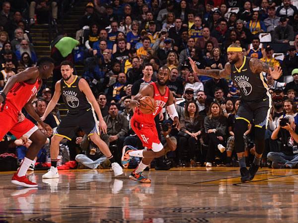 0:3 העונה לרוקטס על הווריירס (צילום: Noah Graham/NBAE via Getty Images)