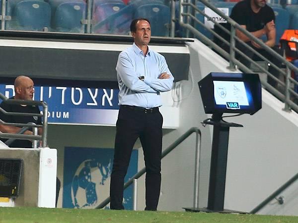 המאמן יישאר זהיר לקראת העימות בבלומפילד (צילום: אלן שיבר)