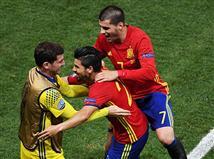 ספרד השיגה הערב (שישי) 0:3 מרשים על טורקיה והפכה לנבחרת הראשונה שכובשת מעל 2 שערים במשחק מפתיחת היורו. ה
