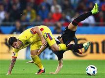 ספונארו מול לניאני. משחק מאכזב מאוד במחצית השניה(getty)