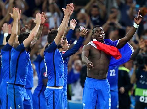<STRONG>צפו בחגיגות של שחקני נבחרת צרפת</STRONG>