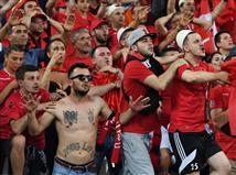 הקהל האלבני עדיין מאמין (getty)