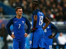 <P>ב-10 המשחקים האחרונים מול רומניה, צרפת לא ירדה מנוצחת. עם זאת, 4 מ-5 המפגשים האחרונים מול הצהובים הסתיימו ללא הכרעה, מה שיקלקל את התוכניות של הטריקולור, שרוצה לפתוח את הטורניר הביתי ברגל ימין.</P> <P><BR>&nbsp;הפעם האחרונה שהרומנים ניצחו את הצרפתים הייתה ב-1972, 0:2 במשחק ידידות שנערך בבוקרשט. הנבחרת של אנג`ל יורדנסקו הגיעה לארץ הבאגט אחרי קמפיין מוקדמות מרשים, בו ספגה פעמיים בלבד.</P>