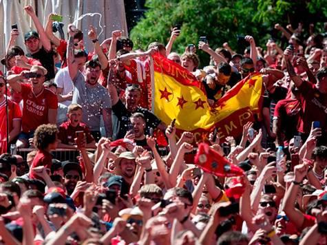 <STRONG>צפו באוהדי ליברפול צובעים את מדריד באדום >></STRONG>