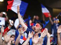 ערב טוב לכולם! ברוכים הבאים לזירת המשחק, צרפת נגד שווייץ! מחזור הנעילה בשלב הבתים של יורו 2016 יוצא לדרך עם הקרב על ראשות בית 1
